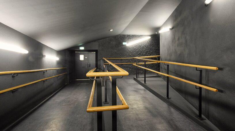 TRR Villejuif Scène Lecoq - accessibilité - rampe accès salle -